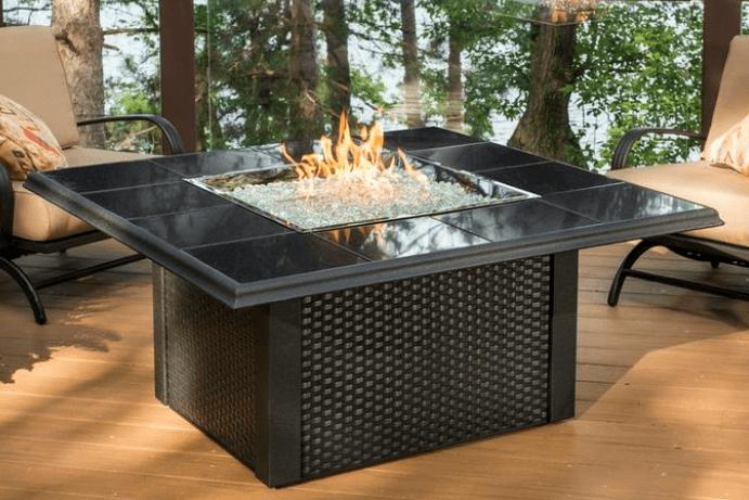 Po les et foyers keystone table de feu ext rieur haut de for Foyer exterieur au gaz