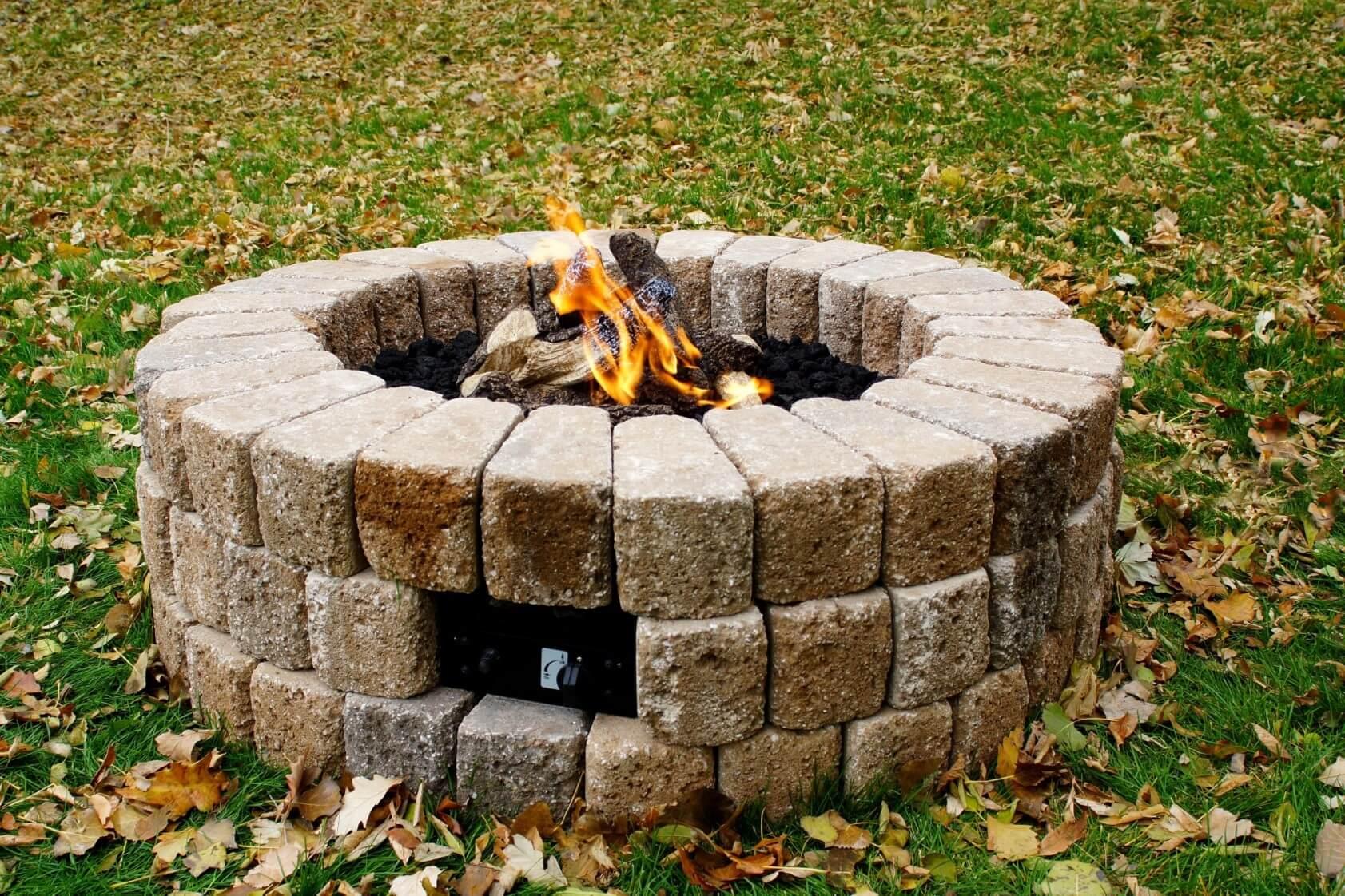 Po les et foyers keystone table de feu ext rieur haut de for Foyer exterieur a donner