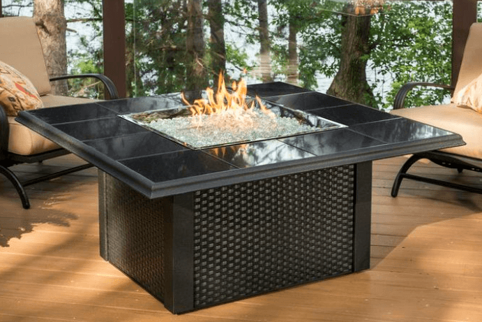 Po les et foyers keystone table de feu ext rieur haut de for Foyer exterieur