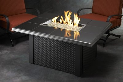 po les et foyers keystone table de feu ext rieur haut de. Black Bedroom Furniture Sets. Home Design Ideas